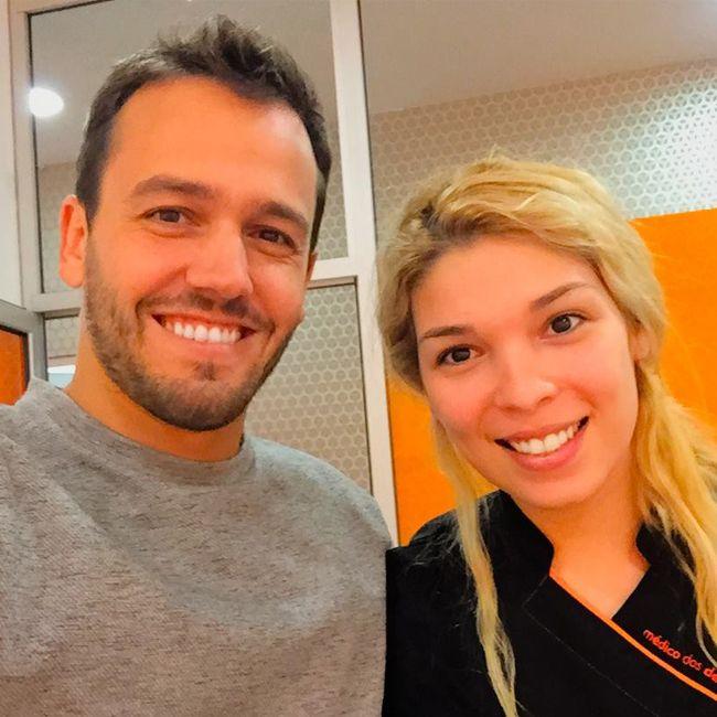 o nosso embaixador Pedro Teixeira veio visitar-nos à clínica médico dos dentes | amoreiras. ele já sorri connosco, venha sorrir também!