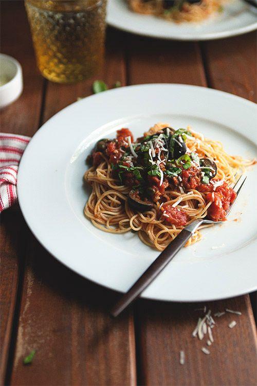 //Pastaputtanesca, Pasta Puttanesca, Yummy Food, Pasta Yummy, Food Yummy, Design Sponge, Cooking, Pasta, Alla Puttanesca
