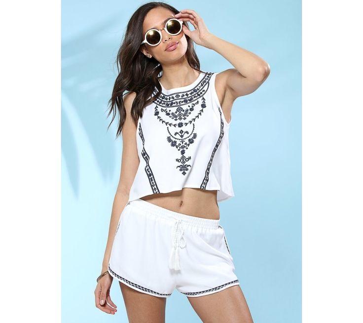 Krátky široký top s výšivkou | modino.sk #ModinoSK #modino_sk #modino_style #style #fashion #summer