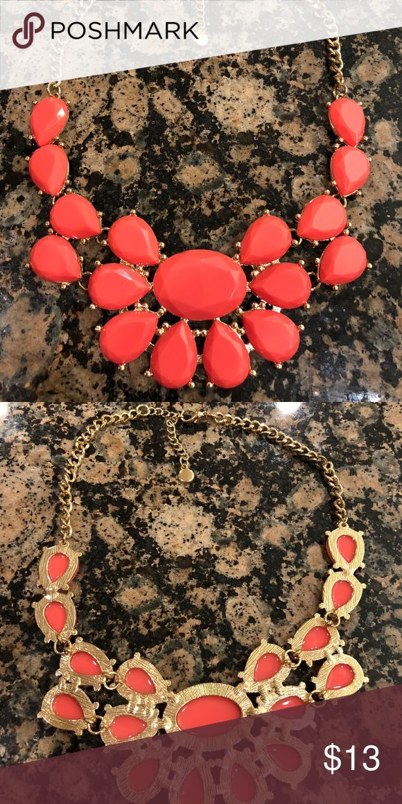 Coral Statement Necklace Fun trendy necklace. Excellent condition. Jewelry Necklaces