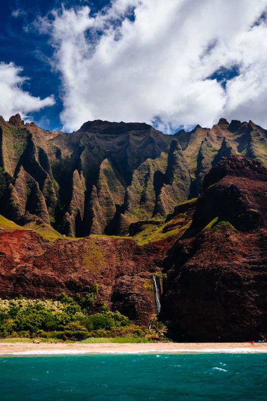 Mystical | Na Pali Coast, Kauai Source: Flickr / nickroosen