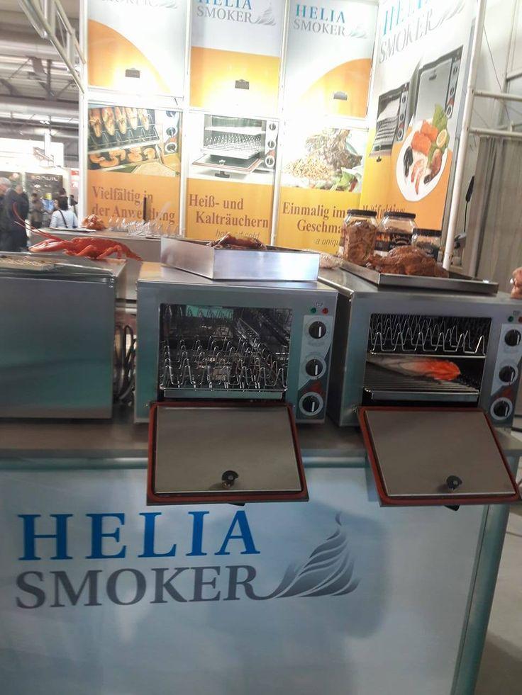 Φούρνοι καπνίσματος Helia Smoker by smart kitchen shop φούρνοι καπνίσματος helia smoker Σπύρος Ι. Σκοπελίτης καπνιστά λουκάνικα τηλ 210 2831035  http://www.smartkitchenshop.eu/component/virtuemart/fournoi/fournoi-heliasmoker