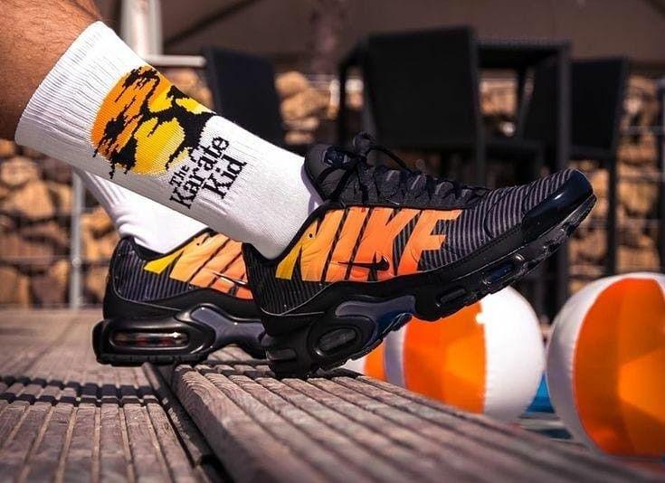 NIKE AIR MAX PLUS PREMIUM   Nike air max plus, Chaussure nike ...