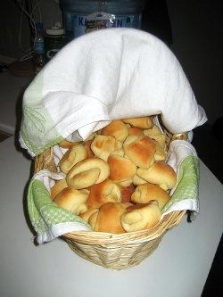 Uma deliciosa receita de pão bem fofinho! Mais receitas em: http://www.receitasdemae.com.br/receitas/pao-fofinho/