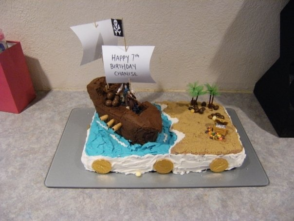 This pirate cake looks pretty awesome  and very fun to make!