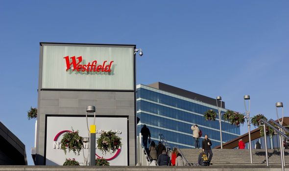 'Blood all over the floor' Man stabbed as brawl breaks out at Westfield shopping centre - http://buzznews.co.uk/blood-all-over-the-floor-man-stabbed-as-brawl-breaks-out-at-westfield-shopping-centre -