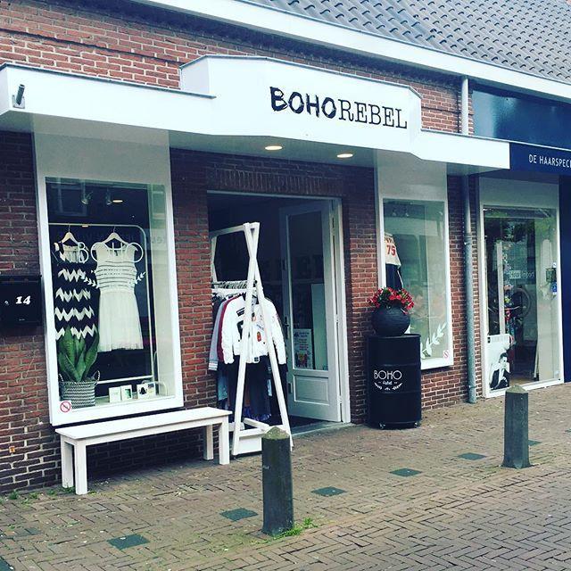 #bohorebel is voorzien van nieuwe belettering #reclamebureau #dboonontwerp #trots #belettering #ontwerp