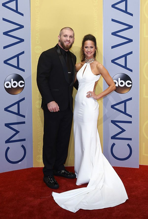 Amber Cochran Brantley Gilbert Wedding | 2016 50th Annual CMA Award Winners and Red Carpet – JOI TO THE WORLD