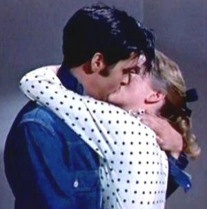 Dolores Hart-Elvis ve öpücük :)  <3