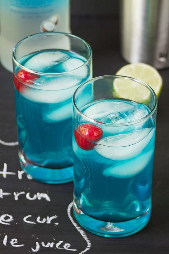 Coconut Blue Hawaiian 2 rum  1 coconut rum   2 blue_curacao  1/2 t. pineapple_juice jus 1/2 lime  Essayé. Très bon, mais en petite quantité. A essayer en shooter