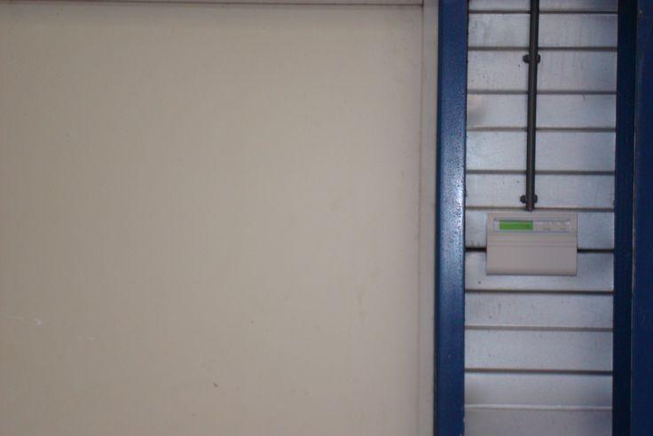 Voor installaties, regulier onderhoud en het verhelpen van storingen kunt u rekenen op de 24-uurs dienst verlening van ons landelijk servicenetwerk. Voor informatie, meldingen en afspraken kunt u terecht bij de Servicelijn 075-6871051 info@safecold.nl wwww.safecold.nl
