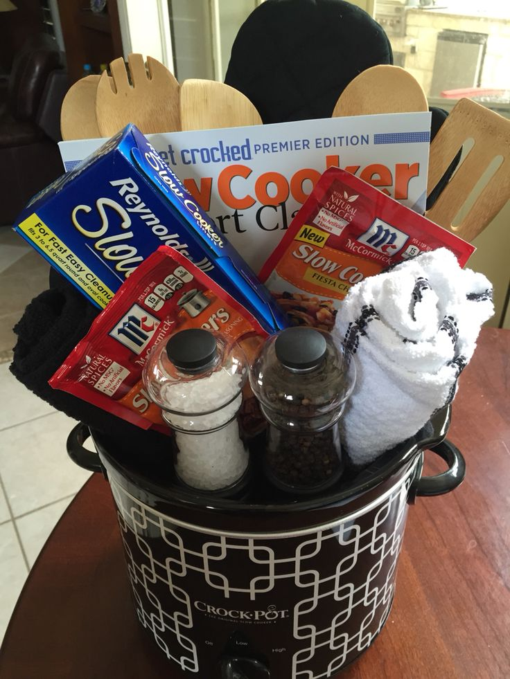 Best 25 themed gift baskets ideas on pinterest family for Kitchen gift ideas under 30