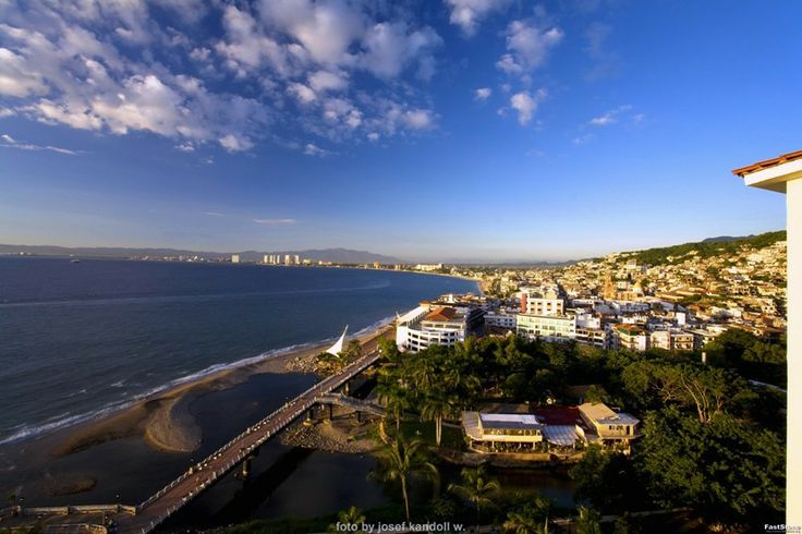Puerto Vallarta Molino de Agua condo - Oceanfront penthouse along Los Muertos beach with spectacular views. One of the most unique condominium rentals in the Banderas Bay area in one of the most luxurious locations in Puerto Vallarta, Mexico. www.discoveryvallarta.com/puerto-vallarta-condo-MDA-PH1.html