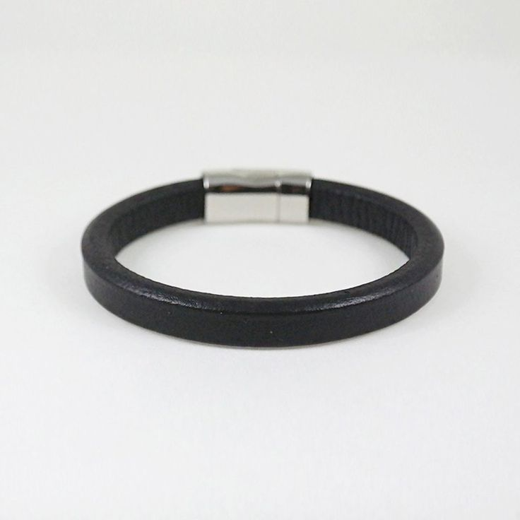 Vince Cuff / black leather
