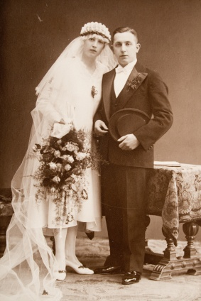 Vintage Wedding~ study shows wives who are  taller than husbands have happier marriages and last!~