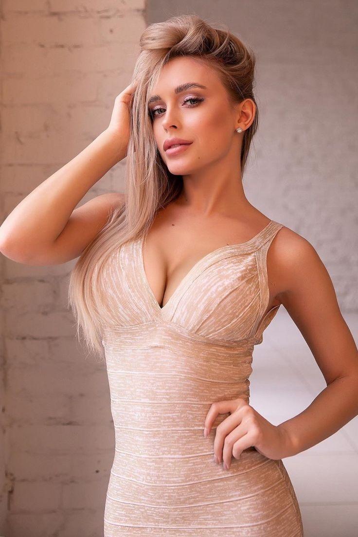 Fashion X Blonde - Mature Ladies Fucking