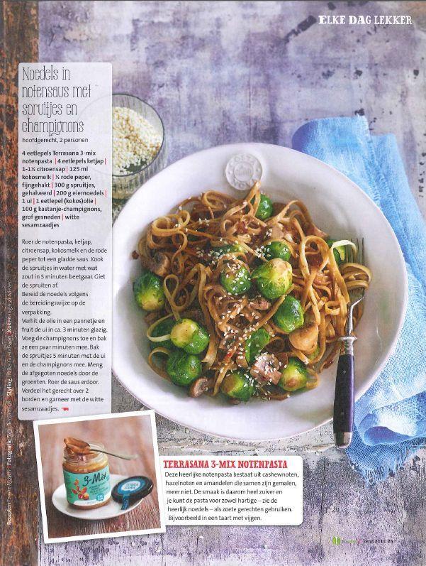Nieuwe Smaakmakend Bionext is binnen! Leuk, ook dit lekkere recept: noedels in notensaus met spruitjes en champignons staat erin!