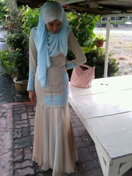 Awesome kurung with beads