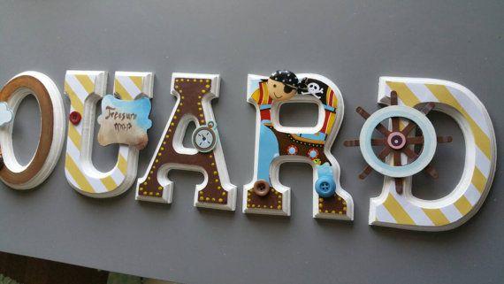 Wood letters etsy   Retrouvez cet article dans ma boutique Etsy https://www.etsy.com/ca-fr/listing/260678137/lettres-murales-en-bois-theme-pirate