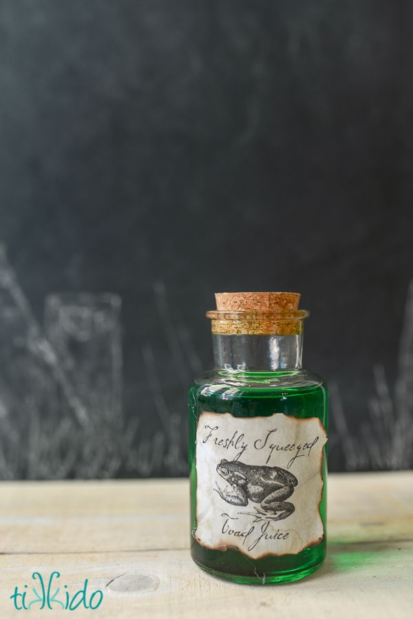 Free printables for a bunch of different creepy potion labels for Halloween.  In various sizes, too, to work with lots of sizes and shapes of bottles.