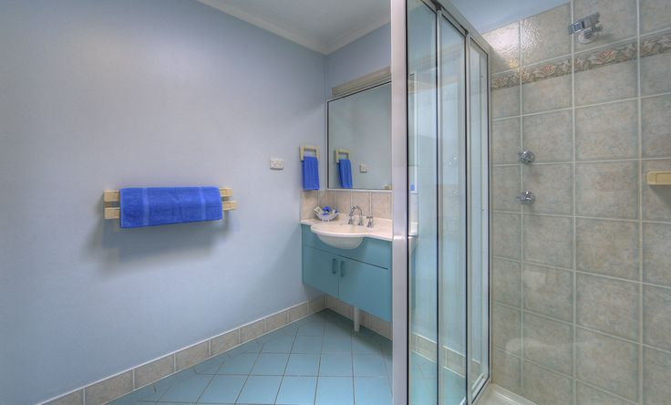 Our Waterfront Bungalows have gorgeous, bright bathrooms!