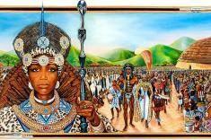 La femme africaine était une actrice considérable dans les institutions politiques, sociales, économiques et religieuses, dans lesquelles elle occupait des postes à haute responsabilité (chef d'armée, guerrière, reine, impératrice, prêtresse, …), alors qu'en France, par