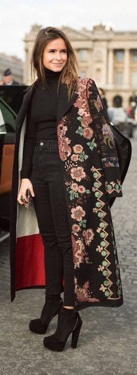 STREET STYLE, SHOULDER ROBING, FASHION WEEK, PFW                                                                                                                                                                                 More