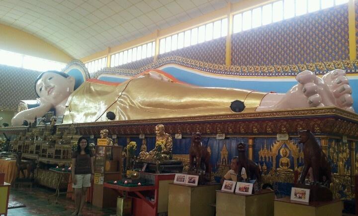 Giant sleeping budha @wat chaiyamangalaram temple, penang