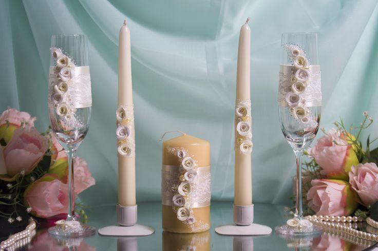 Комплект атрибутов ручной работы с розами из пластики- бокалы и свечи семейного очага - для свадьбы цвета айвори. #свадьбы #атрибуты #бокалы #семейный очаг #айвори #ручная_работа #soprunstudio