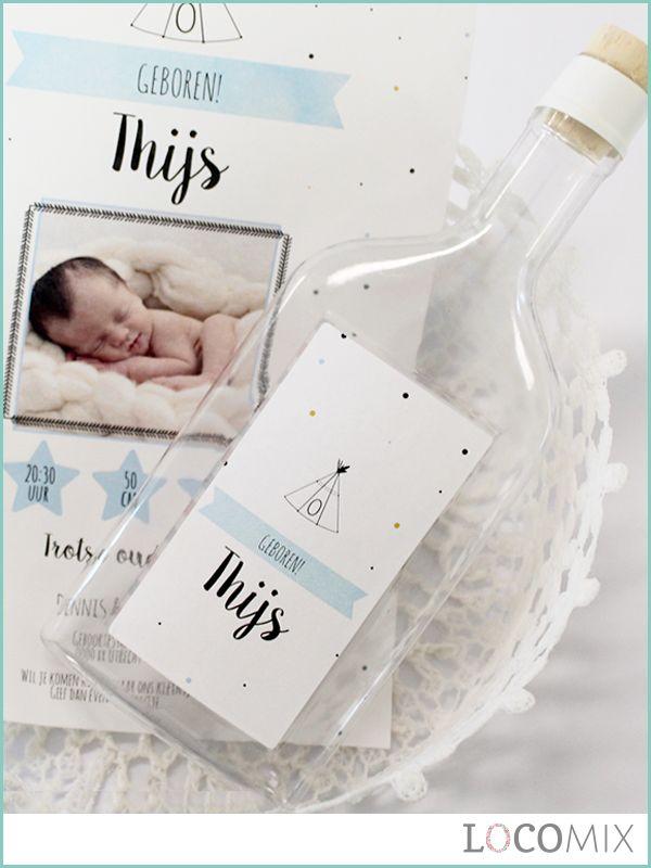 Gefeliciteerd met de geboorte van jullie baby! Nu nog op zoek naar een mooie geboortekaart waarop jullie alle informatie kwijt kunnen die jullie willen delen, en natuurlijk een mooie newborn foto. Wij maken de zoektocht wat makkelijker! Deze Flessenpost geboortekaart heeft alles wat jullie zoeken. Dit is een originele kaart die volledig gepersonaliseerd kan worden met een bestaand ontwerp of een eigen ontwerp. Bekijk de kaart nu op LocoMix.nl!