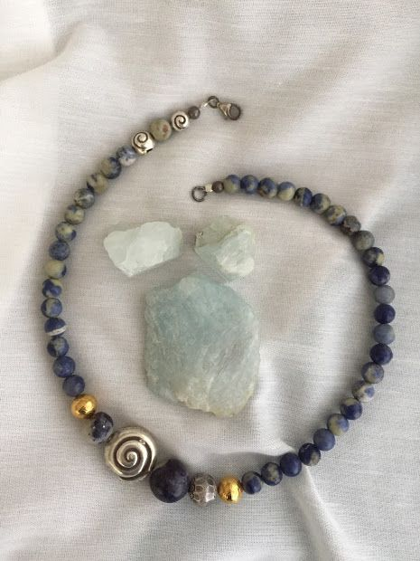 Necklace with sodalite stones