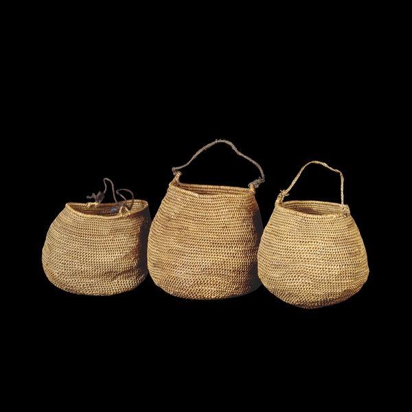 Mápi grass baskets. Argentina | Selk'nam (Ona) / Yámana (Yaghan), 19th century AD From Tierra del Fuego