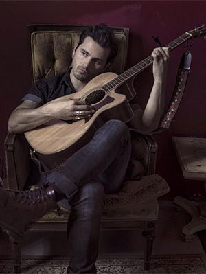 "10 Things You Didn't Know About Michael Malarkey From ""The Vampire Dairies"""