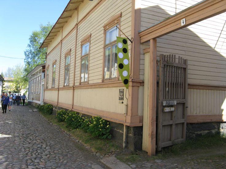 Ceramic Art Maija Kantanen`s Studio/gallery in Old Rauma -  KERAMIIKKATAIDE Art Maija Kantasen työhuonegalleria Vanhassa Raumassa