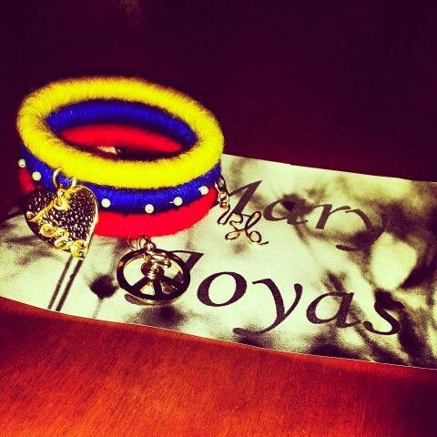 Venezuela, nuestra inspiración ♥ Pulseras tricolor by Mary Joyas ♥