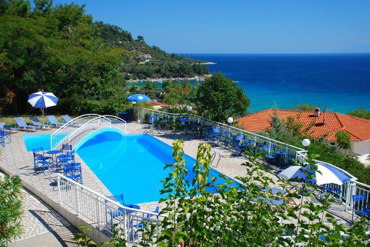 Emerald Hotel - pool www.travelbiz.ro