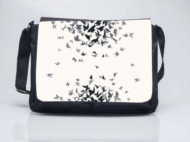 Pillangós álmok - Oldaltáska Butterfly Shoulderbag Order here: www.oldaltaska.hu hello@oldaltaska.hu