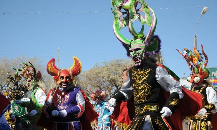 Comienza la colorida fiesta de La Tirana