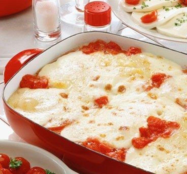 Low Carb Rezepte: Tomaten-Zucchini-Gratin mit Käse überbacken