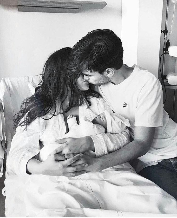 delivery room pic ideas love the black and white