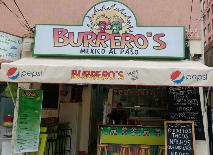 Burrero's realmente una experiencia, rica comida y rico ambiente.