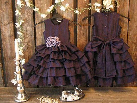 Plum flower girl dress. Purple flower girl by englaCharlottaShop, €49.00