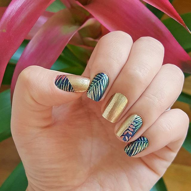 """Layered tropical prints get an extra dose of shimmer with twinkly gold in our """"Hidden Splendor"""" design! #incoco #nailart #tropicalnails"""