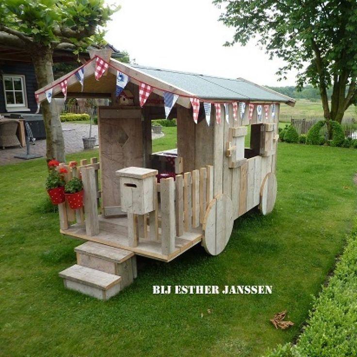 pipowagen speelhuisje voor in de tuin, origineel houten speelhuisje in de tuin - zomerzoen.nl