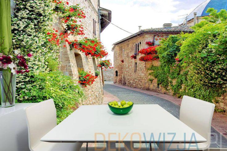 Fototapeta z Włoską uliczką z kwiatami