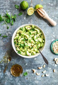 Fräsch sallad med gurka mynta lime recept