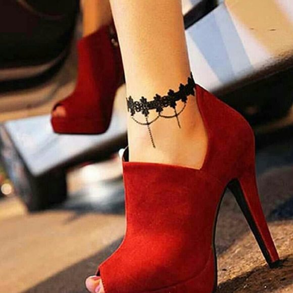 Gorgeous Ankle Bracelet Tattoo Ideas For Women Of All Ages: 17 Best Ideas About Bikini Tattoo On Pinterest