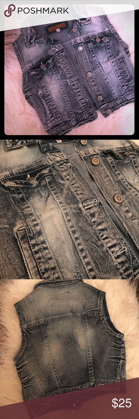 New Washed Denim Crop Jean Jacket looks vintage Brand spanking new- Adorable cropped sleeveless Jean jacket, size medium (fits a sm-med). This fabric is oh, SO SOFT! Super cute washed Denim look. * listing as Buckle for exposure. Brand is wallflowers Buckle Tops