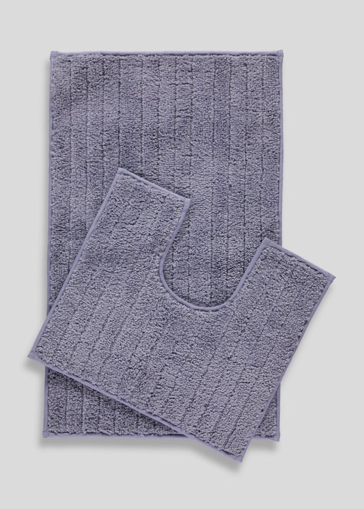 Great value bath mat and pedestal mat set in navy. Locks in water with quick drying technology and features anti-slip reverse. Bath mat: 75cm x 45cm....