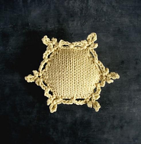 Ravelry: chalklegs' beekeeper's snowflake
